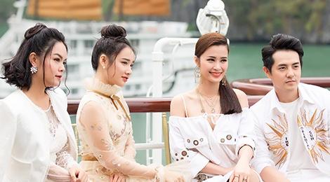Nha Phuong cung dan sao nu xuat hien xinh xan tai show thoi trang hinh anh