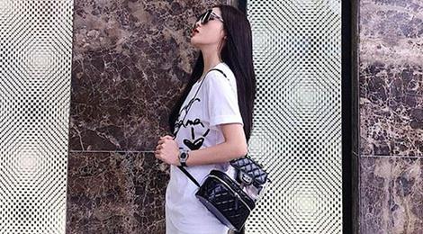 Ky Duyen, Mai Phuong Thuy me man mau ba lo Chanel gan 100 trieu dong hinh anh