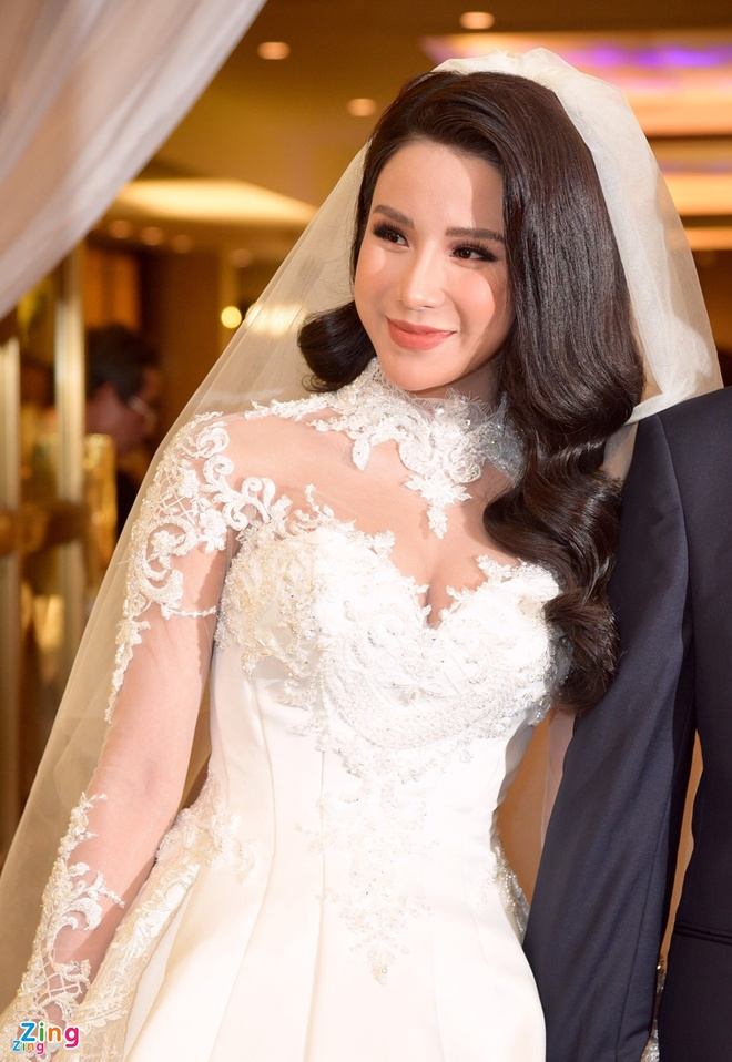 Vay cuoi 120 trieu dong cua Diep Lam Anh anh 3