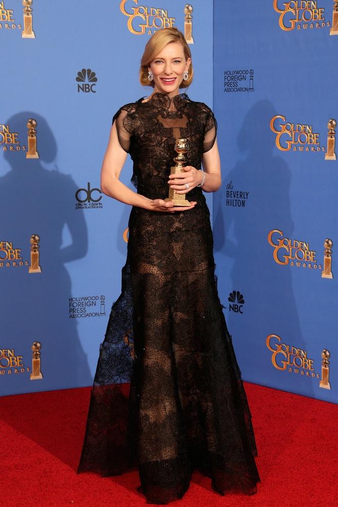 Ly do minh tinh 'Elizabeth' dien vay cu tren tham do Cannes 2018 hinh anh 2
