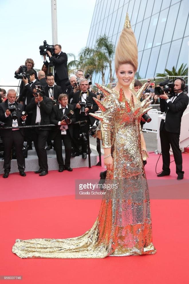 Nhung bo vay kem tinh te trong ngay dau tham do Cannes 2018 hinh anh 2