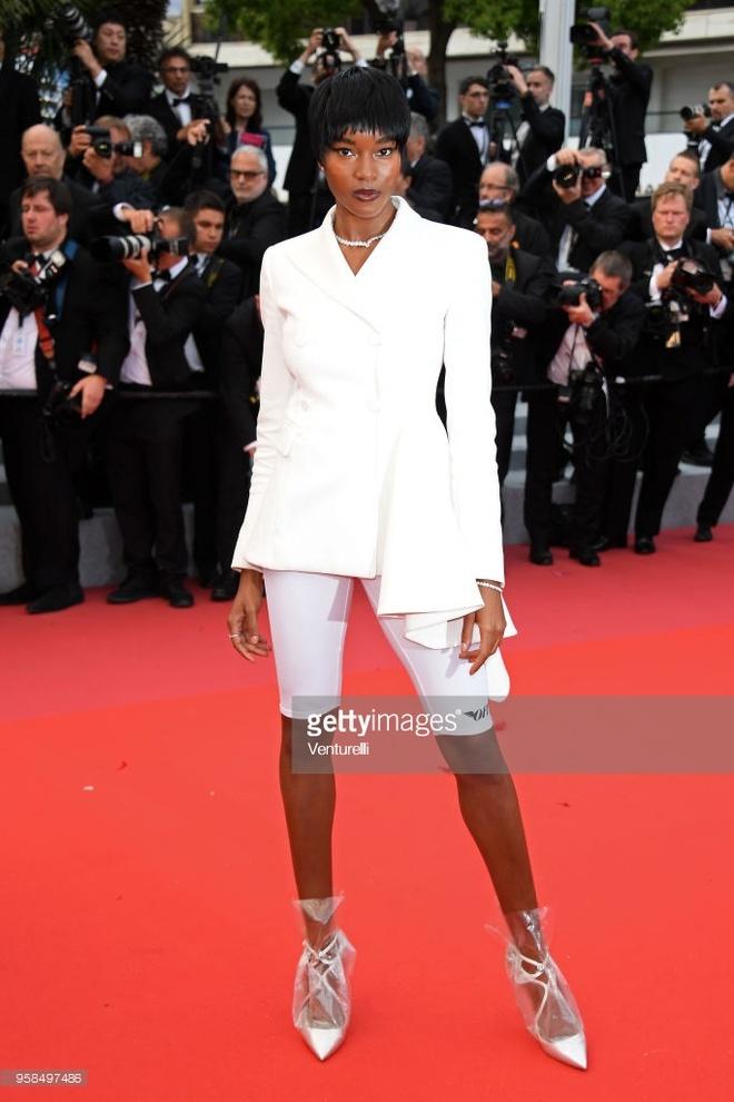 Nhung ngoi sao pha vo nguyen tac thoi trang tren tham do Cannes hinh anh 5