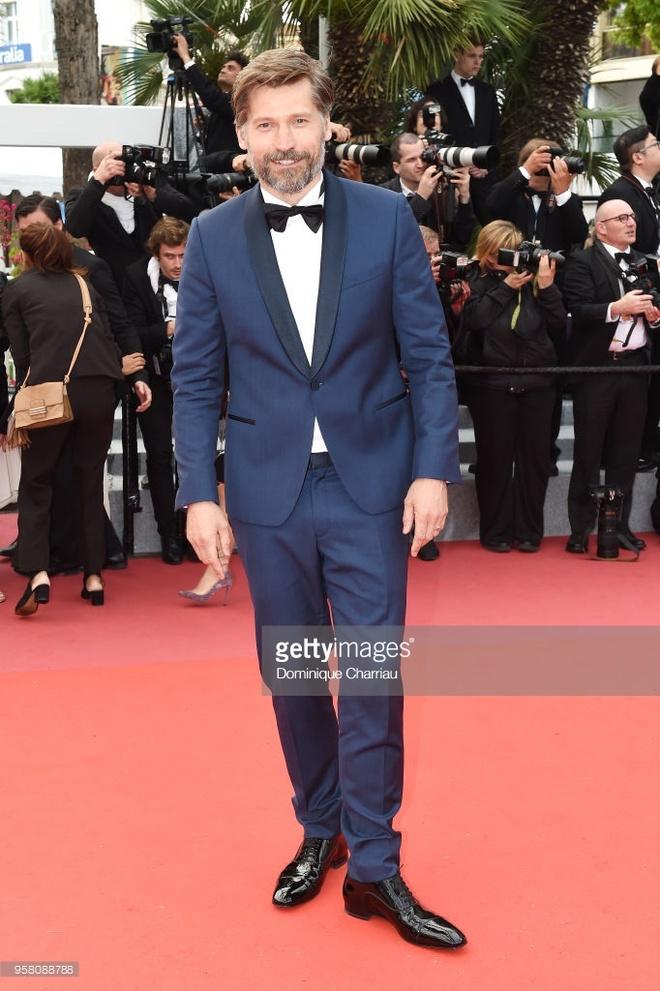 Nhung ngoi sao pha vo nguyen tac thoi trang tren tham do Cannes hinh anh 8