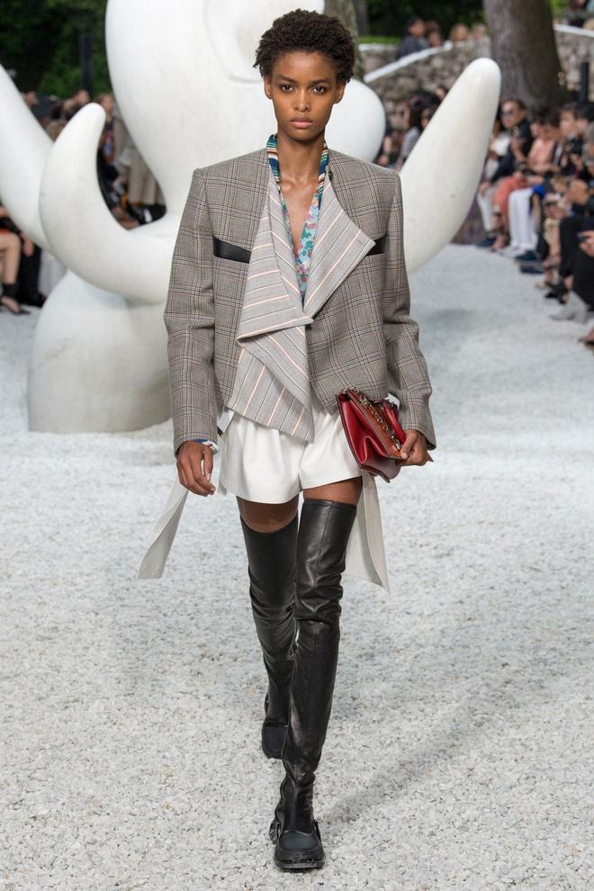 San dien hoanh trang, tao bao cua Gucci, Dior tai Resort Fashion Week hinh anh 10