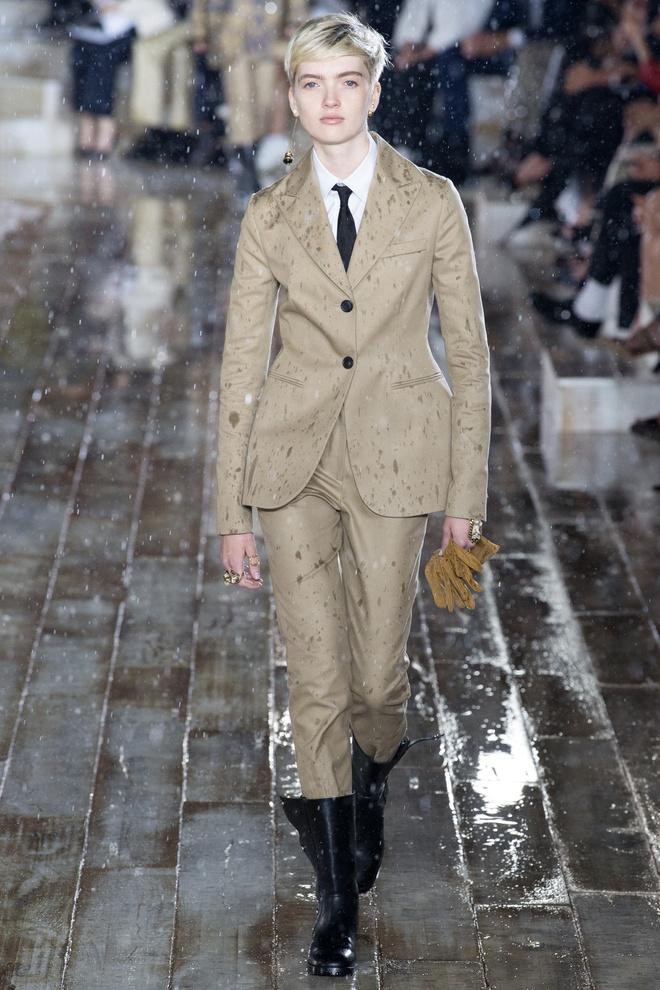 San dien hoanh trang, tao bao cua Gucci, Dior tai Resort Fashion Week hinh anh 7