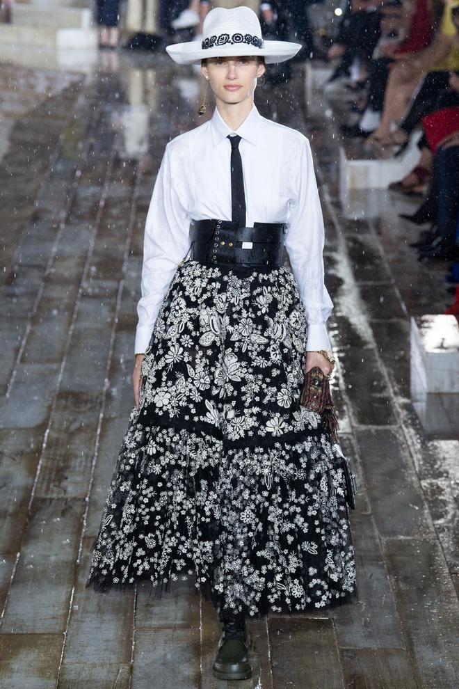 San dien hoanh trang, tao bao cua Gucci, Dior tai Resort Fashion Week hinh anh 8