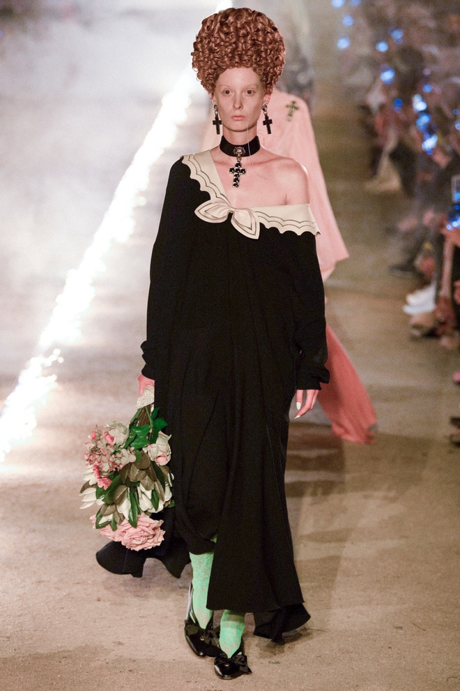 San dien hoanh trang, tao bao cua Gucci, Dior tai Resort Fashion Week hinh anh 2