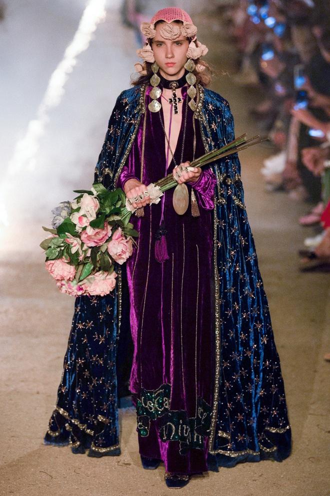 San dien hoanh trang, tao bao cua Gucci, Dior tai Resort Fashion Week hinh anh 3
