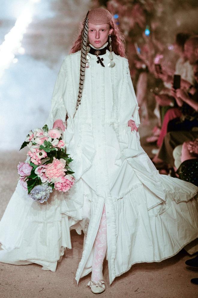 San dien hoanh trang, tao bao cua Gucci, Dior tai Resort Fashion Week hinh anh 5