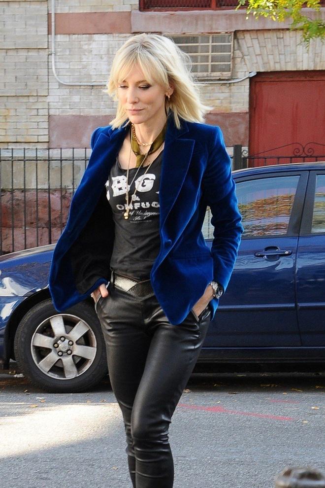 Cate Blanchett quyen luc voi loat do menswear trong 'Ocean's 8' hinh anh 6
