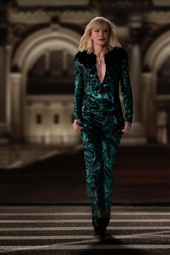 Cate Blanchett quyen luc voi loat do menswear trong 'Ocean's 8' hinh anh 8