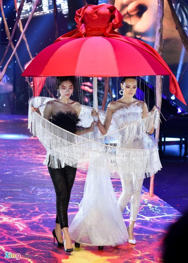Pham Huong ket show Do Long anh 14