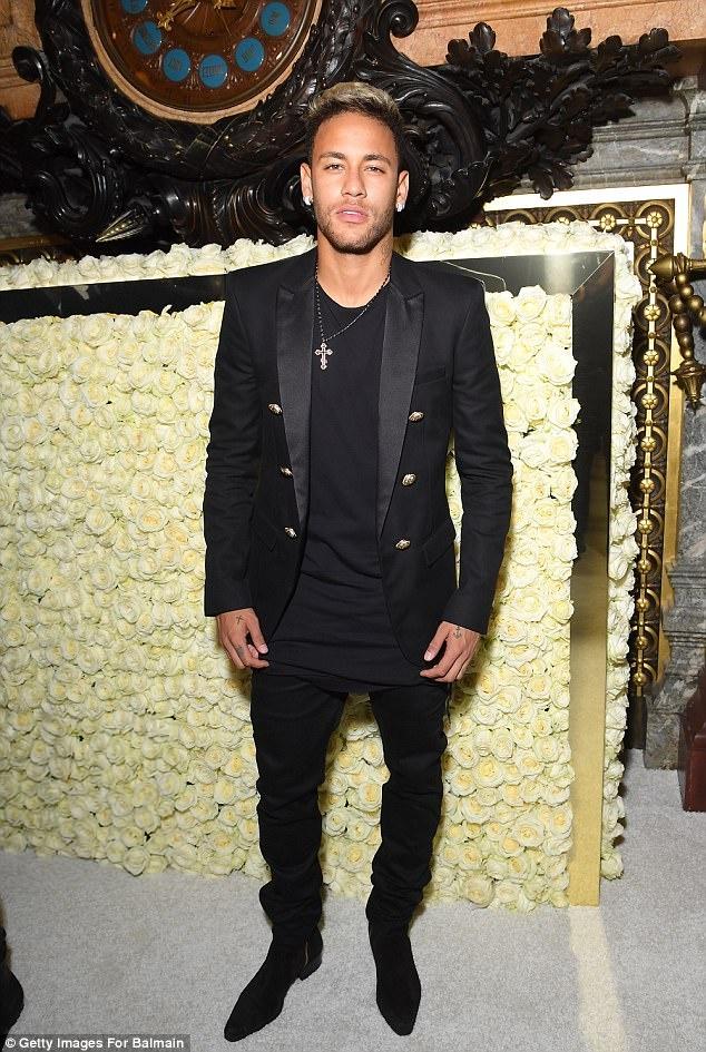 Neymar choi hang hieu sanh dieu nhu the nao? hinh anh 3