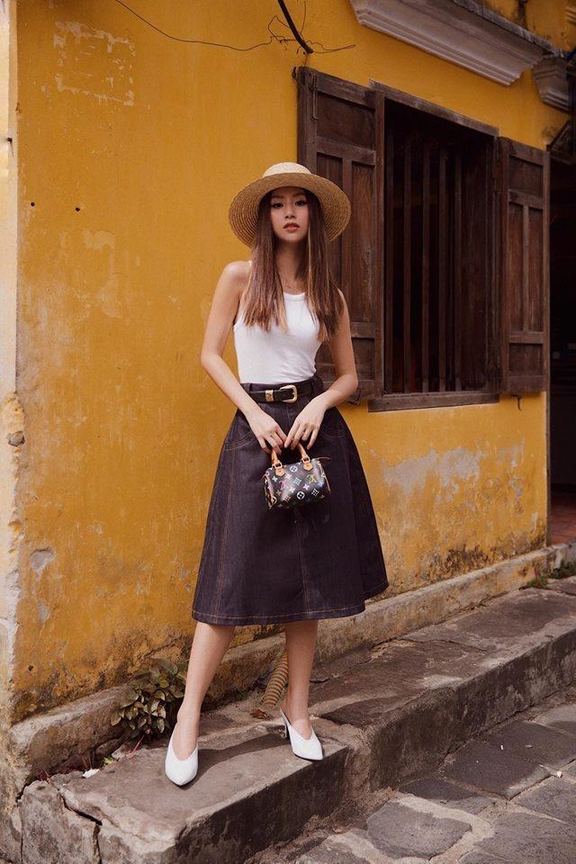 Sao Viet phoi trang phuc street style cung tui xach hang hieu ra sao? hinh anh 7