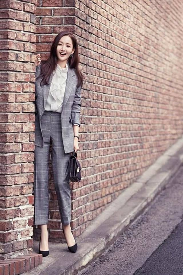 Nhung bo canh gian di doi thuong cua 'Thu ky Kim' Park Min Young hinh anh 3
