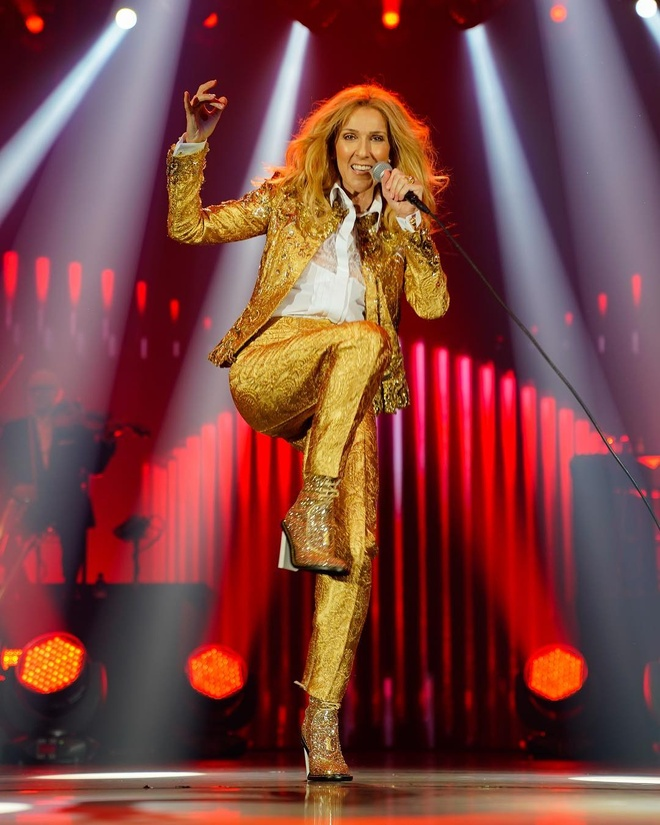 Nhung bo canh tre trung cua Celine Dion trong tour dien am nhac 2018 hinh anh 5