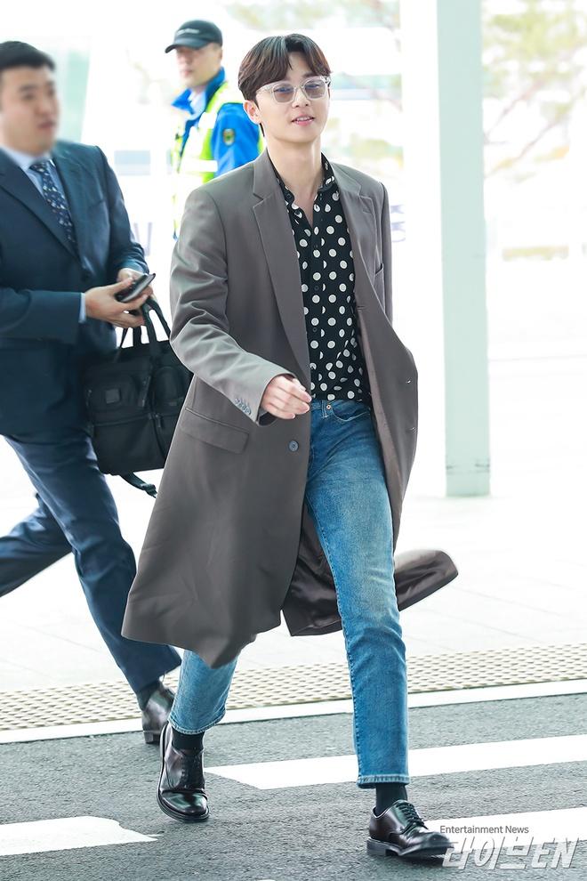 Thoi trang san bay sanh dieu cua 'Pho chu tich' Park Seo Joon hinh anh 6