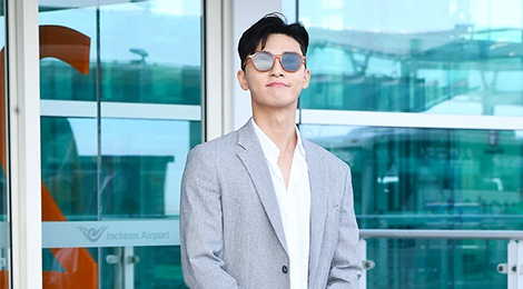 Thoi trang san bay sanh dieu cua 'Pho chu tich' Park Seo Joon hinh anh