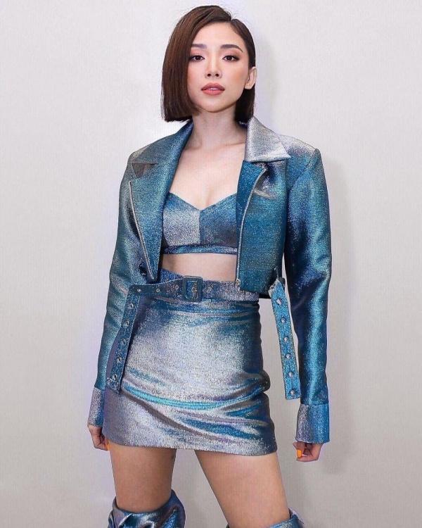 Toc Tien mac an tuong nhu the nao tren ghe nong The Voice 2018? hinh anh 5