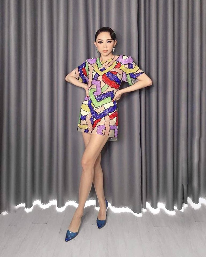 Toc Tien mac an tuong nhu the nao tren ghe nong The Voice 2018? hinh anh 6