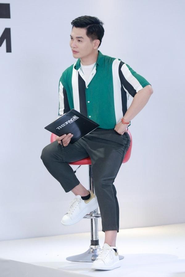 Host Nam Trung an mac khong thua kem dan HLV tai The Face 2018 hinh anh 5