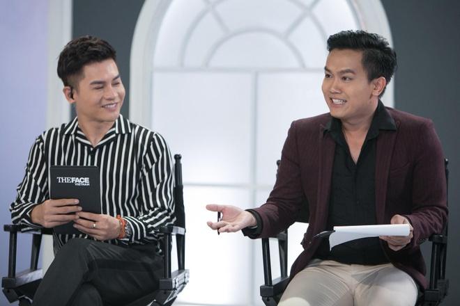 Host Nam Trung an mac khong thua kem dan HLV tai The Face 2018 hinh anh 7