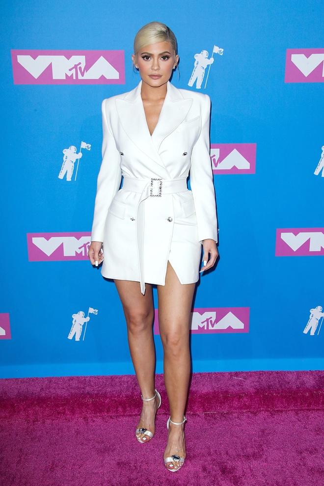 Chị em nhà Kardashian ảnh hưởng đến giới thời trang nhất năm 2018
