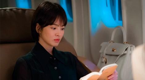 Vay ao, tui xach hang hieu dat do cua Song Hye Kyo trong 'Encounter' hinh anh