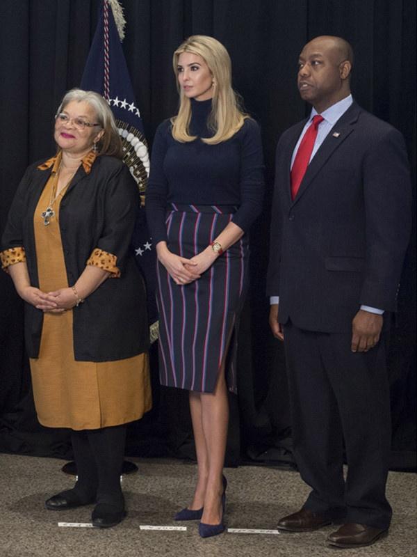 Phong cach thoi trang cua Ivanka Trump ngay cang ra dang chinh tri gia hinh anh 8