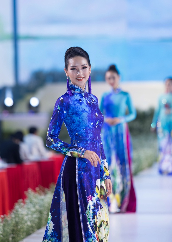Rung U Minh, hang dong va bien xuat hien tren ta ao dai Viet hinh anh 6