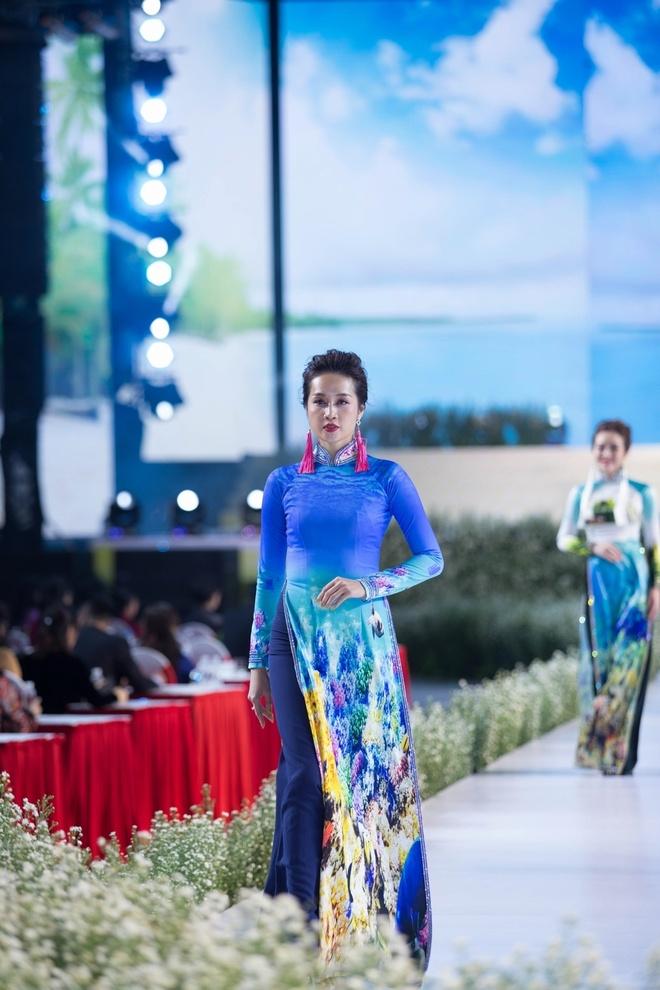 Rung U Minh, hang dong va bien xuat hien tren ta ao dai Viet hinh anh 7