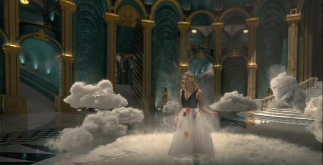 Qua thoi tam toi, Taylor Swift tro lai voi hinh anh tuoi sang hinh anh 3