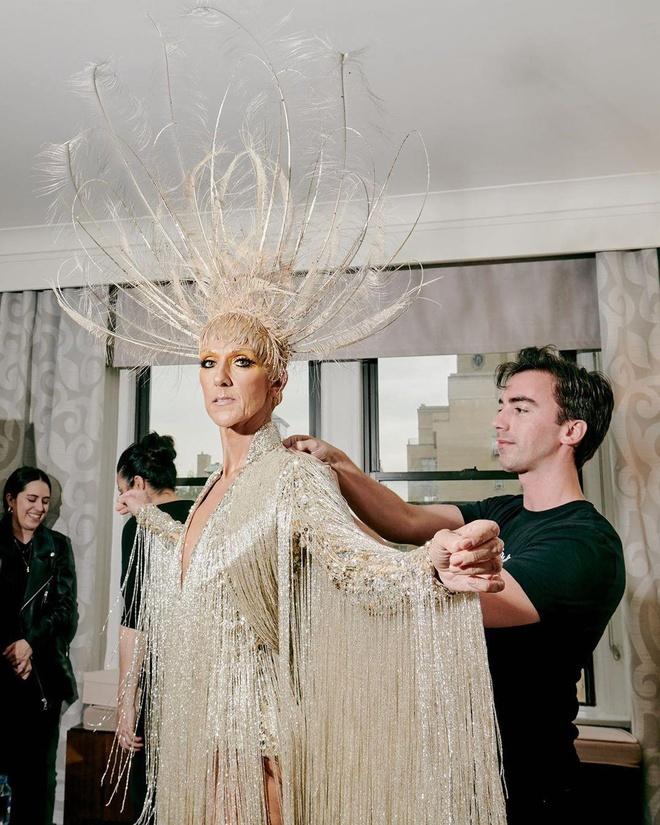 Mac vay dat vang 10kg, Celine Dion la 'Nu hoang' tai Met Gala 2019 hinh anh 5
