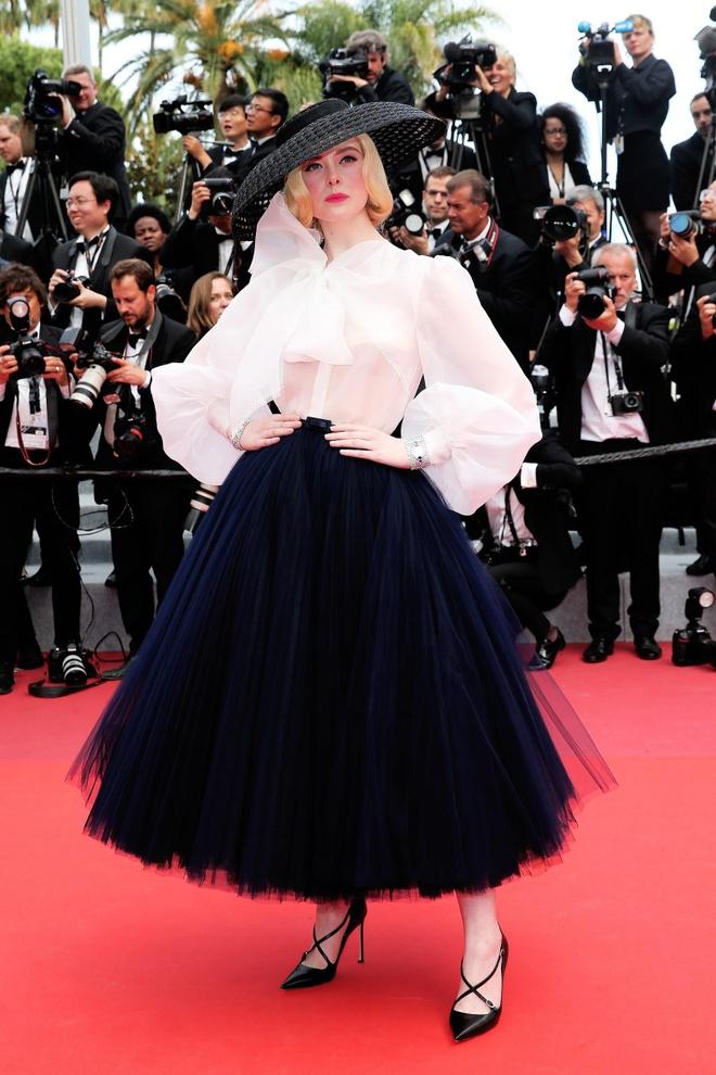 Elle Fanning mac Dior anh 1