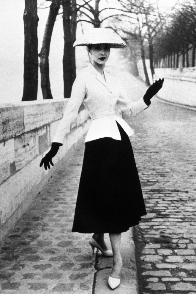 Elle Fanning tai hien hinh anh huyen thoai cua Dior o tham do Cannes hinh anh 4