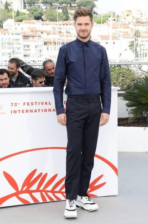 Dien suit tha rong, di sneakers nhieu sao pha vo nguyen tac cua Cannes hinh anh 8