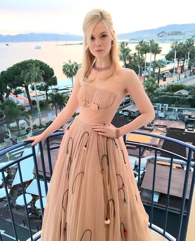Nhung su co trang phuc dang tiec cua dan nguoi dep tai Cannes 2019 hinh anh 1