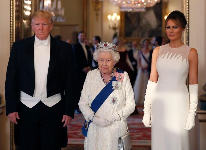 Su tinh toan thong minh cua ba Trump trong chuyen tham nuoc Anh hinh anh 8