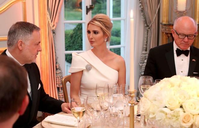 Trang phuc hang hieu Ivanka Trump anh 7