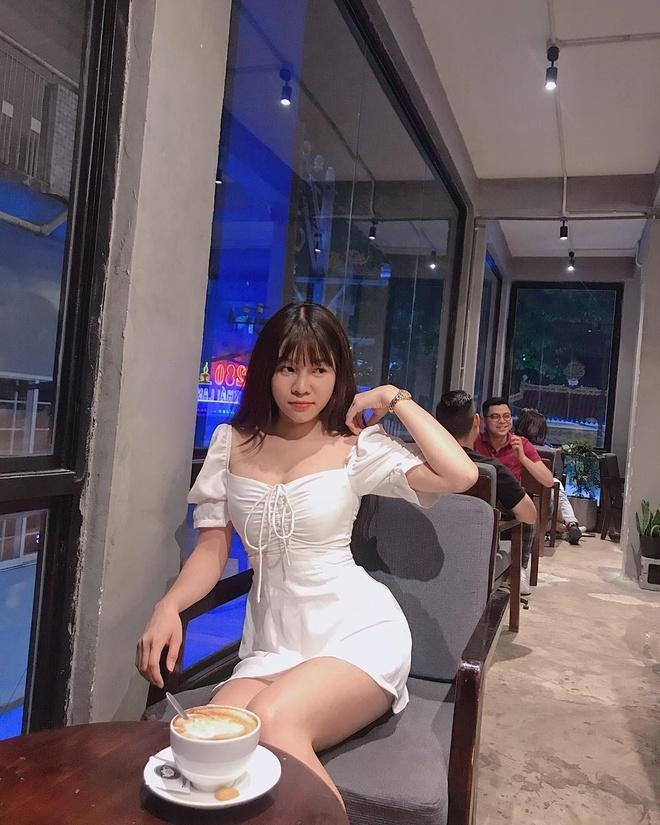 Ban gai Lam Tay chuong vay ngan, quan short khoe chan dai hinh anh 6