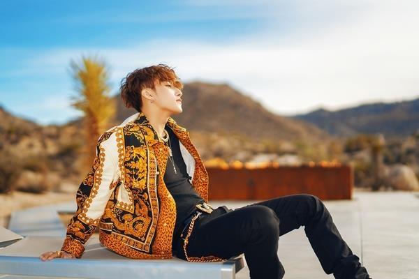 Loat do hieu dat gia cua Son Tung trong MV 'Hay trao cho anh' hinh anh 4