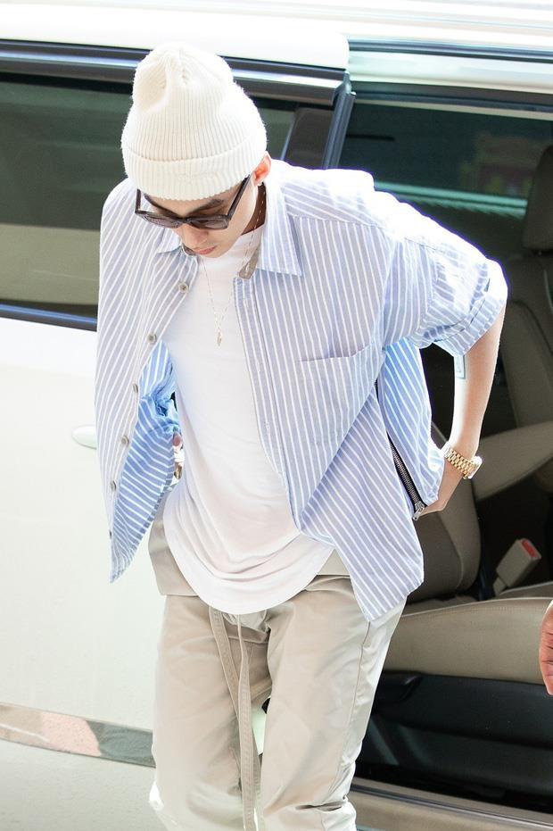 Day chinh la mon do hang hieu Son Tung M-TP tang fan truoc live show hinh anh 6