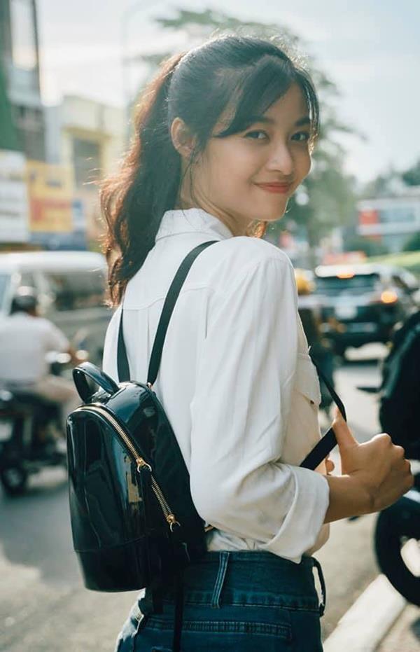 Khong theo style goi cam, A hau 1 Kieu Loan doi thuong rat gian di hinh anh 5