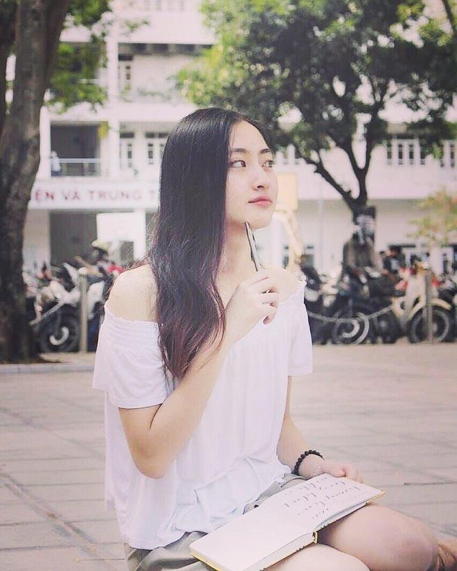 Phong cach thoi trang Luong Thuy Linh anh 5