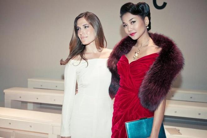 Angela Phuong Trinh va dan sao nu bi 'nem da' vi mac ao long thu hinh anh 6