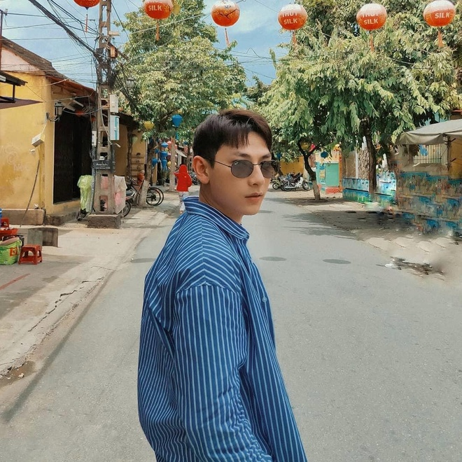 Son Tung M-TP mac suit nhu quy ong, Isaac dien do don gian o Hoi An hinh anh 3