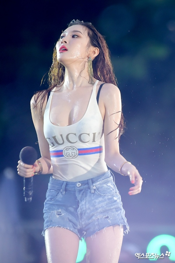 Sunmi khoe nguc day anh 2