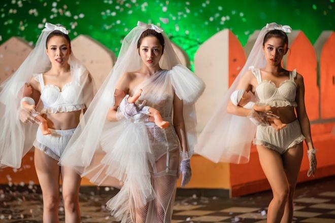 Bao Anh dien mot khong noi y, vay cuoi xuyen thau trong MV 'Ai can ai' hinh anh 8