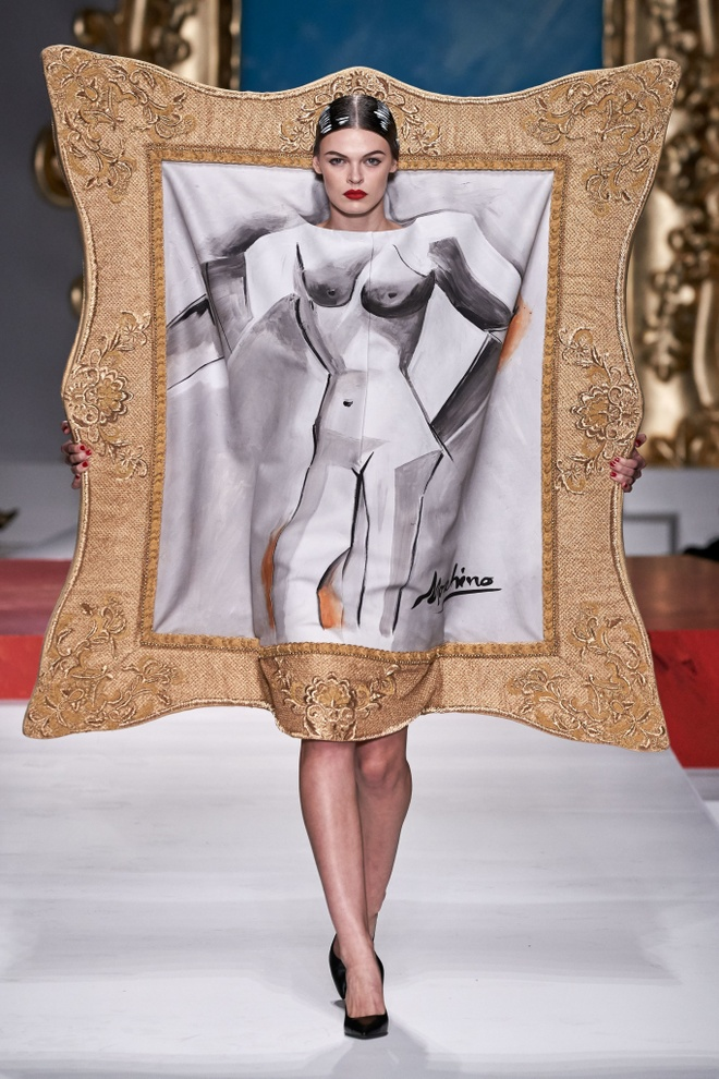 Show dien thoi trang Moschino anh 2
