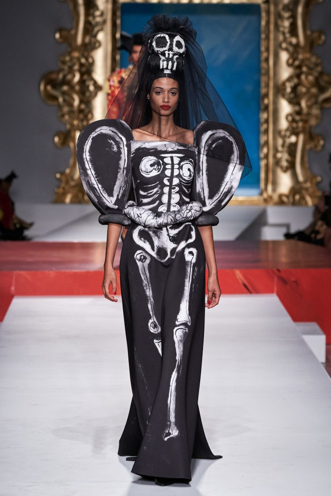 Show dien thoi trang Moschino anh 3